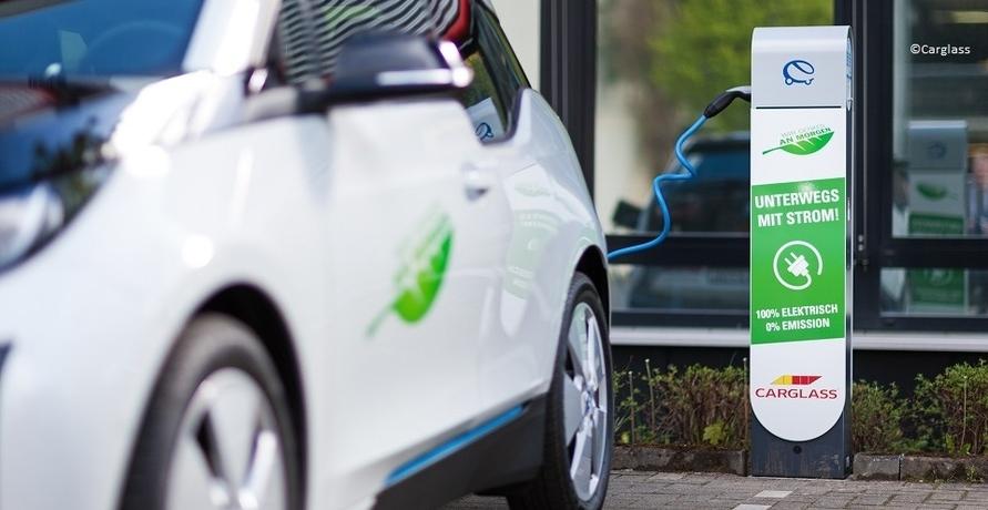 Carglass: Steinschläge, Bienen und Elektroautos
