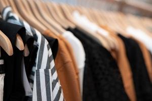 Arbeiten bei LOVECO – mit Fair Fashion die Modewelt aktiv revolutionieren